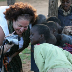 know-african-safari-woman-and-childern-cameras