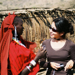 style-african-safari-tourist-shopping-with-locals