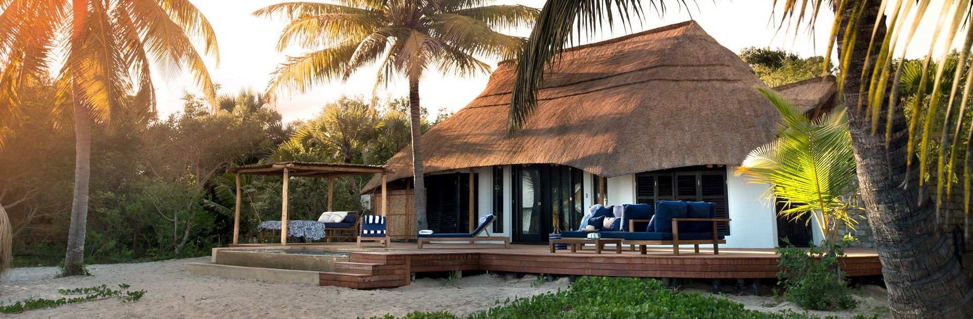 exterior-of-room-at-andbeyond-benguerra-island-in-mozambique.jpg.1920x810_0_264_10000